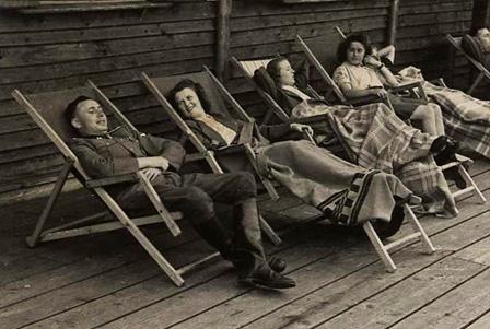 Auschwitz Relax
