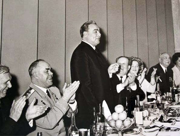 Breznev Con Splendide Dentature Sovietiche